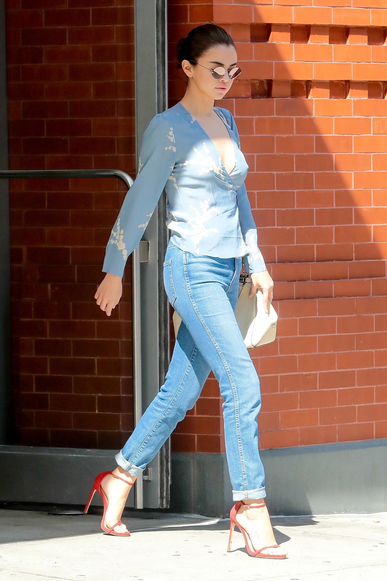 Selena Gomez goes LINDBERG