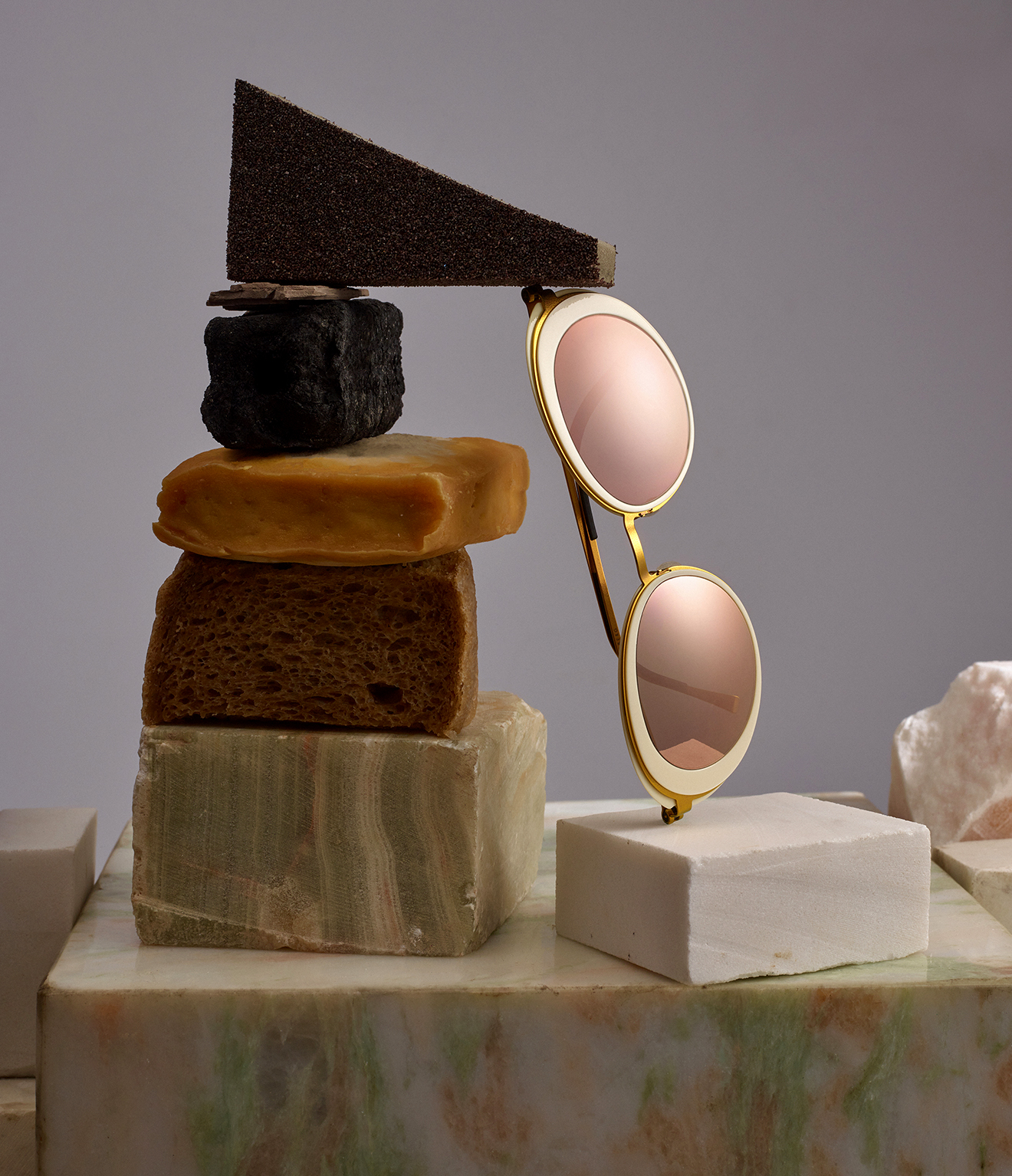 "Monocle celebrates its 10th year and ""Lightens up"" with LINDBERG"